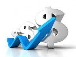 الدولار الأمريكي يواصل الارتفاع والذهب دون 1330$